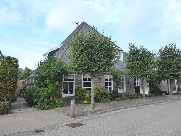 Oostwal 108, Warmenhuizen